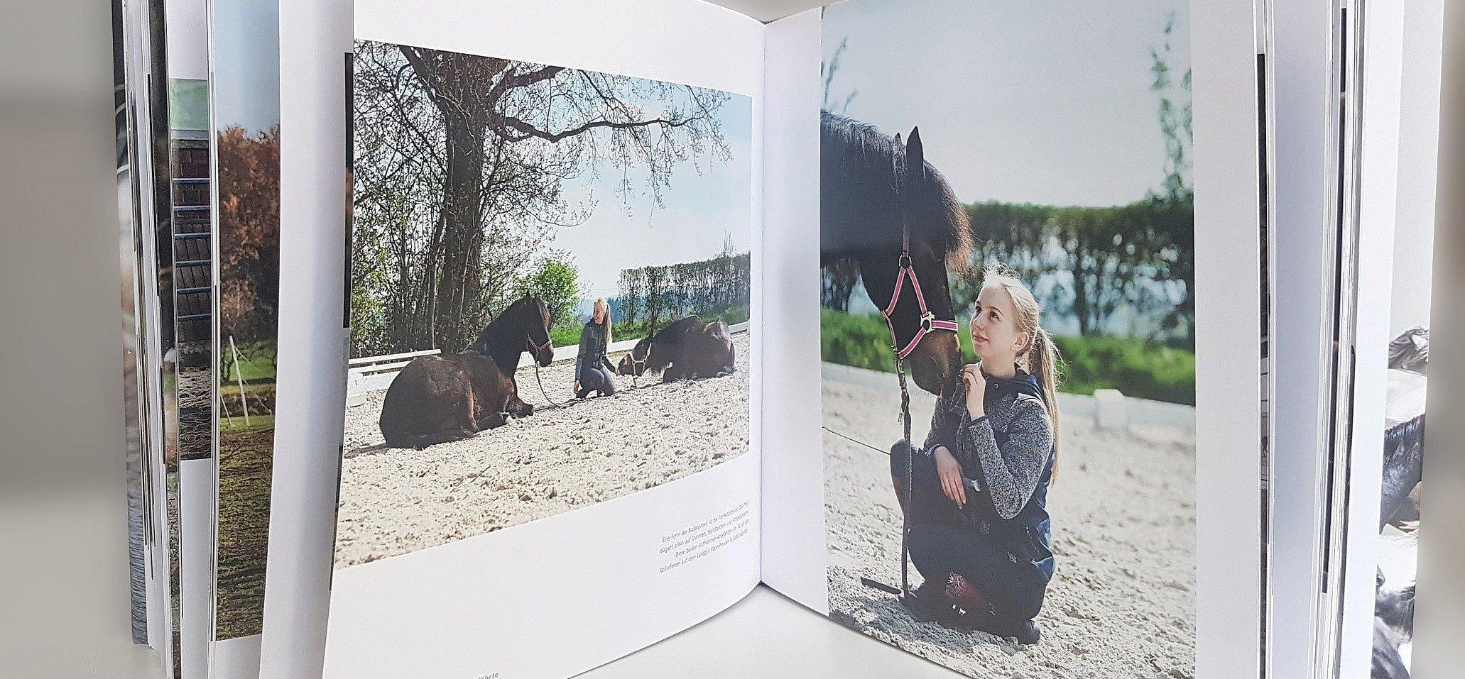 Ganz nah dran an den Menschen und Pferden: Das zeichnet die Fotoserien aus. Foto: LWL/Tuula Kainulainen