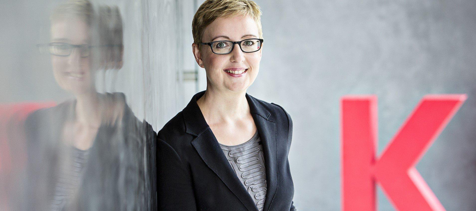 """Anja Fix, Leiterin des 3sat-Magazins """"Kulturzeit"""" (ZDF) Bildbeschreibung: """"Kulturzeit - Anja Fix"""": Porträt Anja Fix ©  ZDF und Jana Kay"""