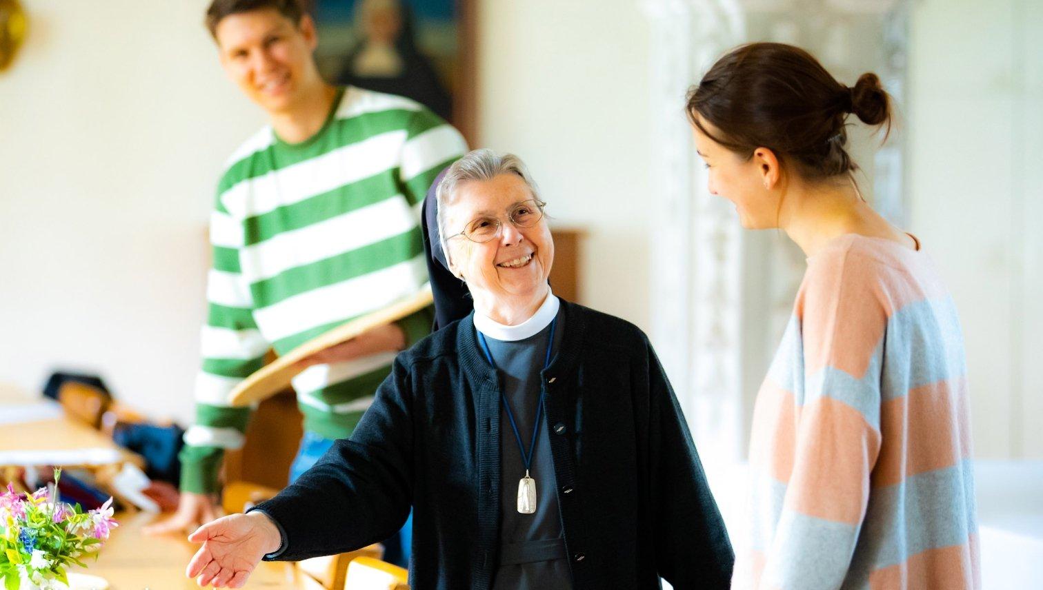 Salvina Höfler tut die Struktur des Ordenslebens gut. Täglich nimmt sie sich Zeit für das persönliche Gebet. (Foto: Bischöfliche Pressestelle/Ann-Christin Ladermann)