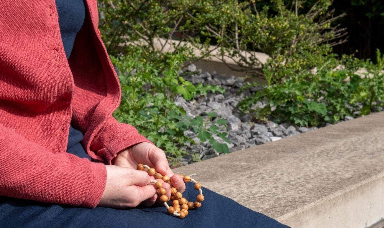 """Zeit, um jenseits des Alltags etwas ganz Anderes zu erleben: Das bietet das """"Freiwillige Ordensjahr"""" Menschen aller Altersgruppen an. Salvina Höfler stellt sich während dieses Jahres der Frage, was sie in ihrem Leben machen möchte. (Fotos: angelika-kamlage.de)"""