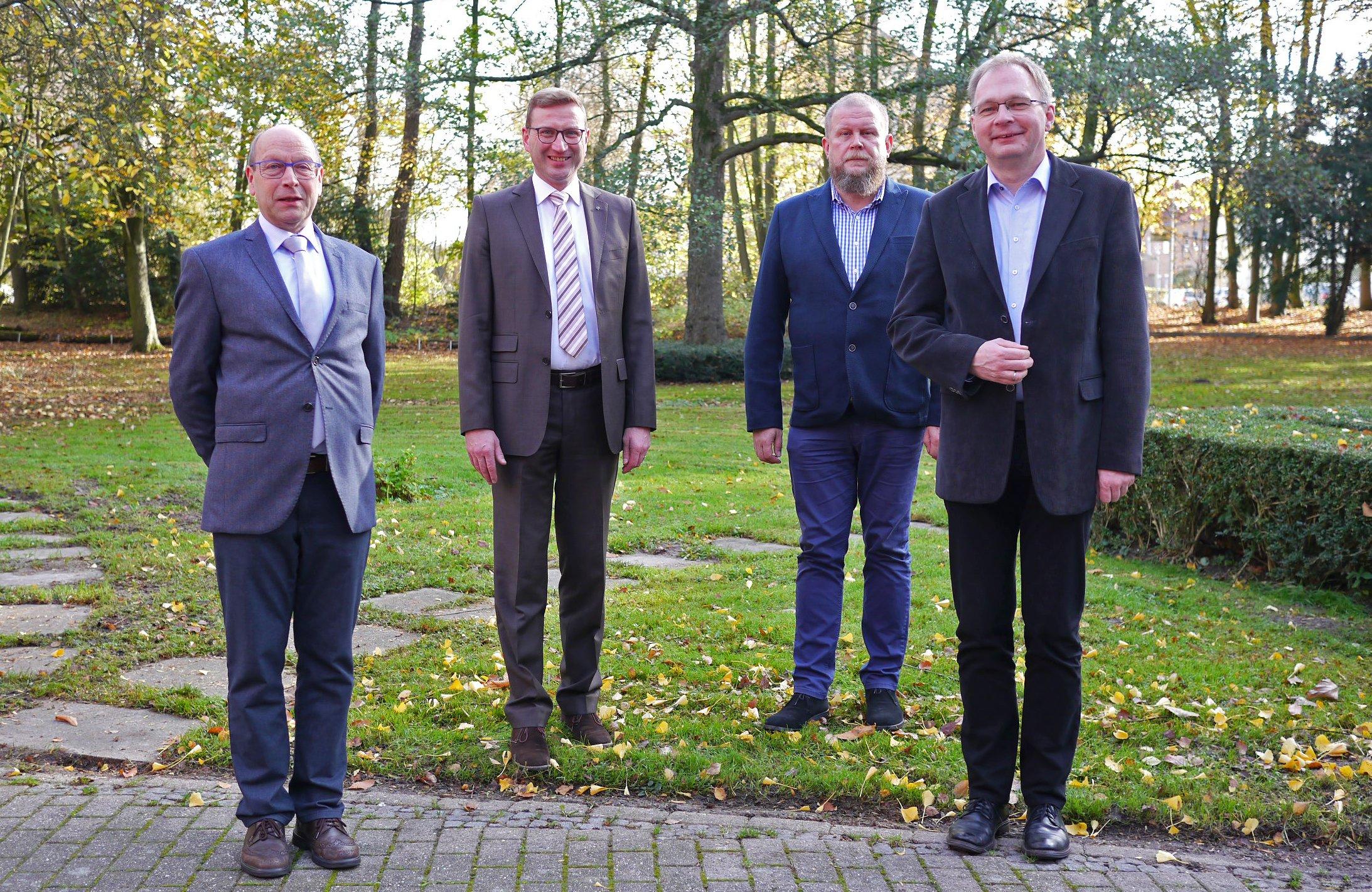 Bildunterschrift: Sie bilden den neuen Brüderrat (von links) Bruder Konrad Schneermann, Bruder Christoph von Netzer, Bruder Thomas Wierling und Bruder Karsten-Johannes Kruse.                                             Foto: privat