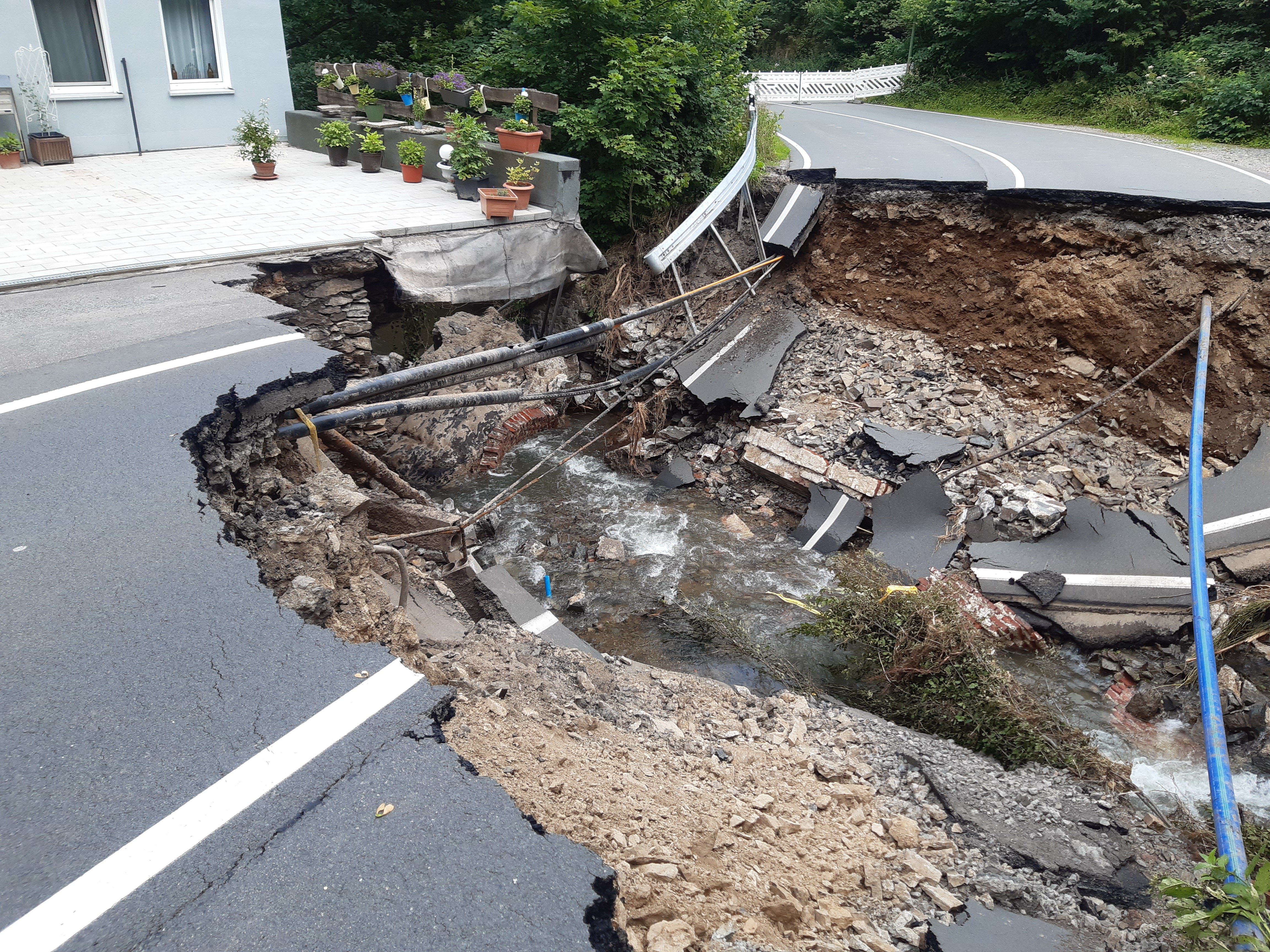 Der Zustand der Brücke nach dem Hochwasser am 14. Juli 2021